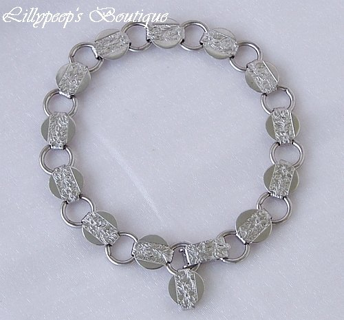"Sarah Coventry Vintage 1975 ""Young and Gay"" Silvertone Link Bracelet MINT Condition"