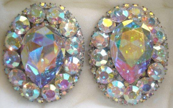 90's Vintage Iridiscent Rhinestone Clip-On Earrings