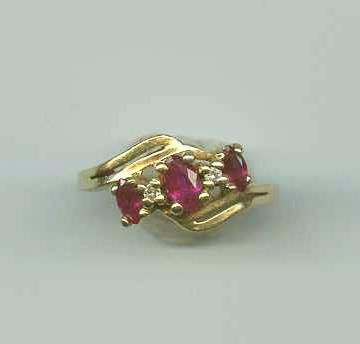 Garnet and Diamond 14K Solid Gold Vintage Ring