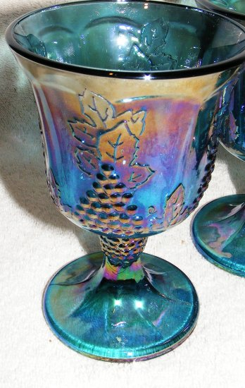 4 Carnival Indiana Glass Goblets - Harvest Grape Pattern