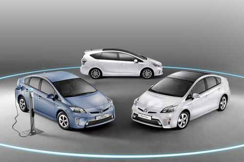 "Toyota Prius Hybrid Car Poster Print on 10 mil Archival Satin Paper 20"" x 15"""