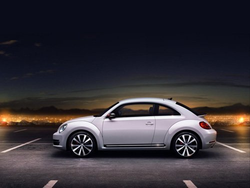 """Volkswagen New Beetle Coupe (2012) Car Poster Print on 10 mil Archival Satin Paper 36"""" x 24"""""""