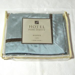 Kohl's BIJOUX Euro Sham HOTEL by PARK AVENUE faux silk Blue Brown
