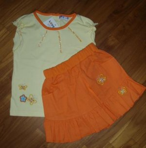 150 Sweet Girl 2 piece set ( Yellow and Orange - Size 24 mths)