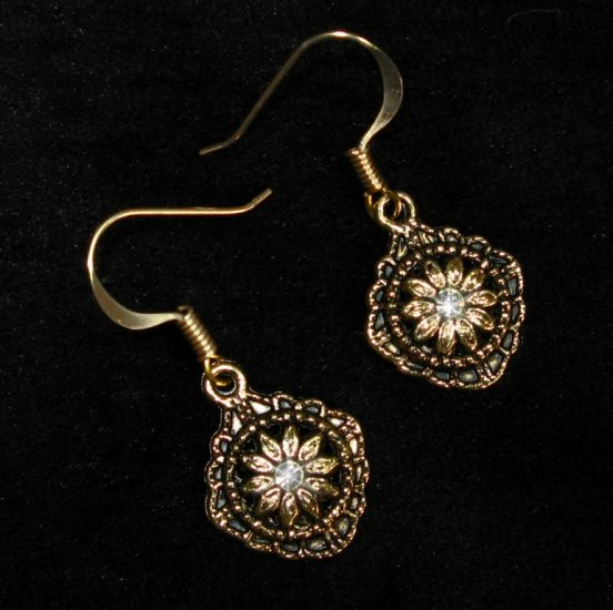 Vintage Swarovski Crystal & Gold Daisy Flower Earrings