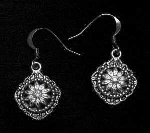 Vintage Swarovski Crystal Silver Daisy Flower Earrings