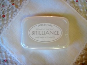 Brilliance Archival Pigment Ink Pad. BR-80 MOONLIGHT WHITE