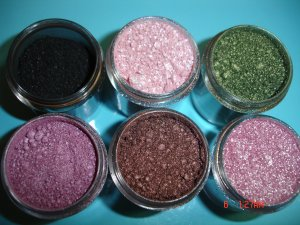 NEW - MAC GET 5 PIGMENTS!!!- SAMPLE WITH SIFTER