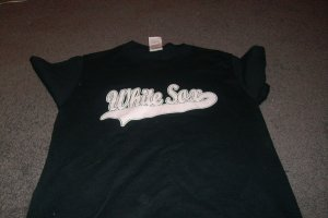 Mens/Boys White Sox Tee Shirt size small