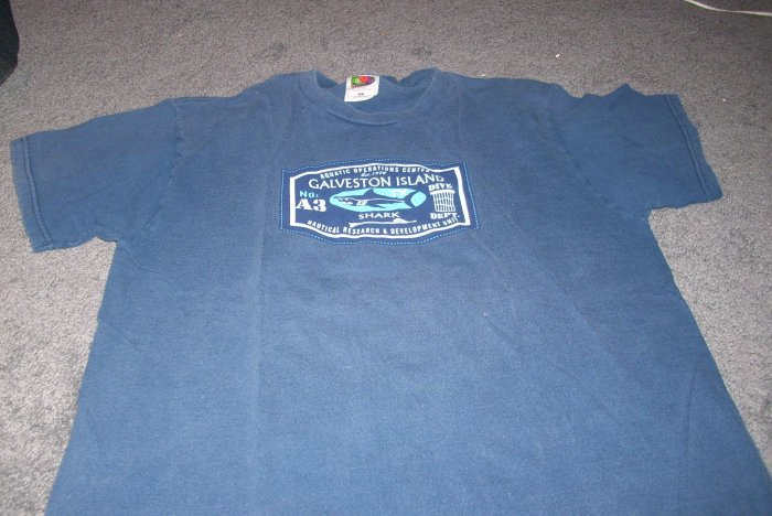 Boy's Dark Blue Tee-Shirt w/Hawaii size large