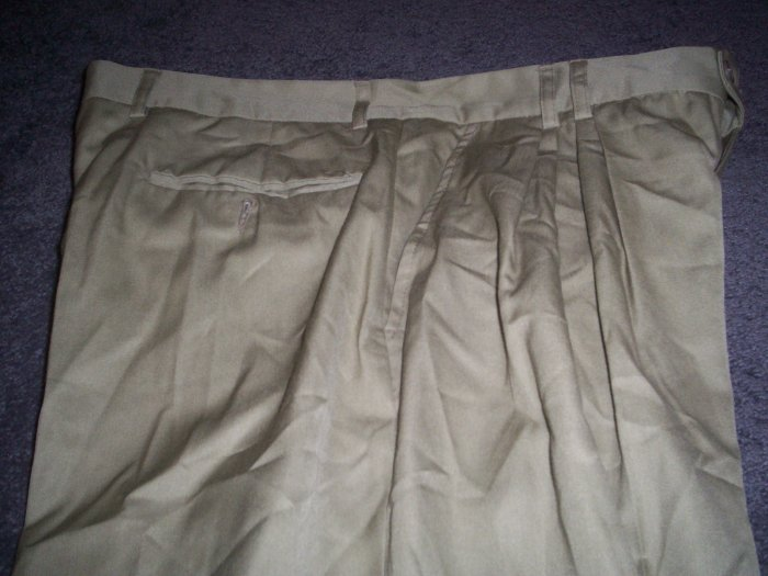 Men's Italian Olive size 38 Dress Slacks by Stil Joung