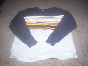 Boy's The Kid's Source Long Sleeve Shirt size size 7 Large