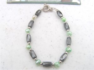 Faceted Hematite Green FW Pearl Bracelet  #1a