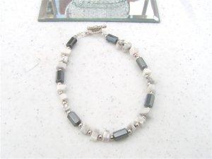 Faceted Magnetic Hematite White Howlite Chip Bracelet #1a