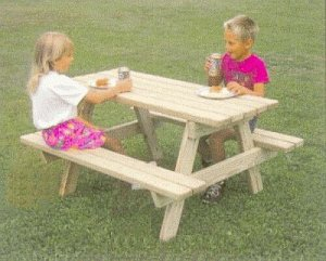 Childs Picknic table