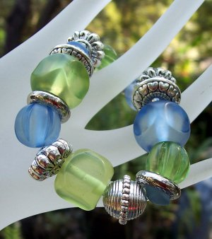 Acrylic Blues & Greens Stretch Bracelet