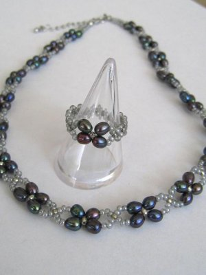 BEAUTIFUL BLACK PEARL NECKLACE & RING SET