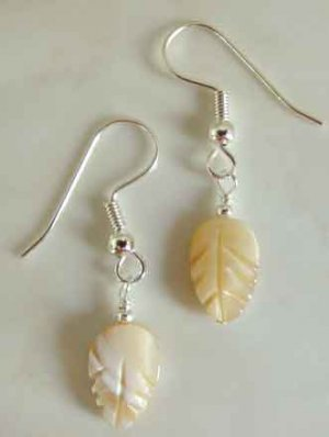 Natural Mother of Pearl Carved Leaf Silver Earrings brbb122