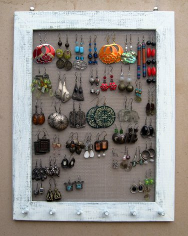 Cream Shabby Chic jewelry display