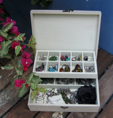 Mocca Shabby Chic JEWELRY BOX