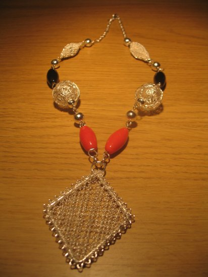 Silver wire 'diamond' and ceramic bead necklace
