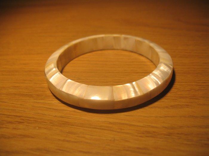 Thin shell bangle