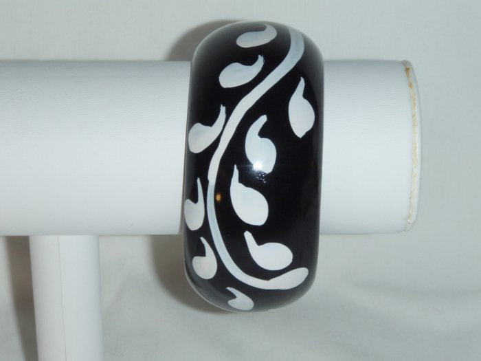 Black and white handpainted wooden bangle