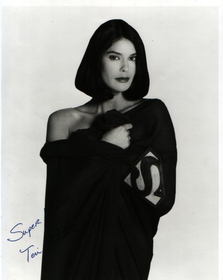 Teri Hatcher Autograph 8x10 Black and White