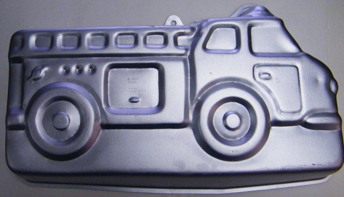 WILTON FIRE TRUCK CAKE PAN