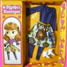 BLYTHE kenner DOLL boutique VINTAGE pinafore 1972 purple OUTFIT playset set on IN original PACKAGE