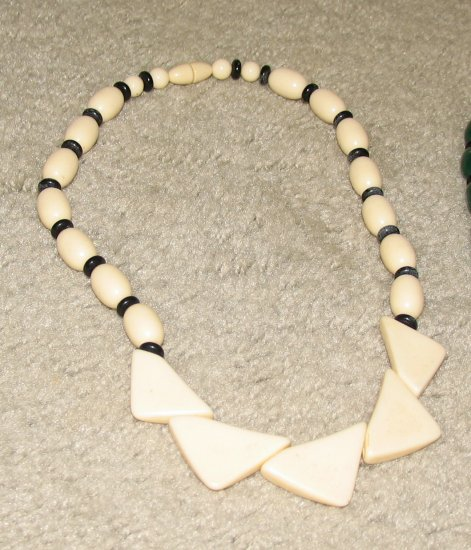 Vintage Costume Jewelry Faux Ivory & Bead Necklace