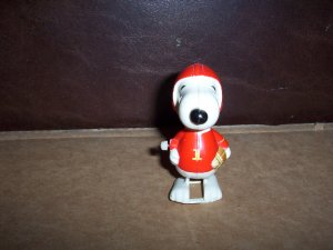 Vintage  Walking Snoopy Football Player