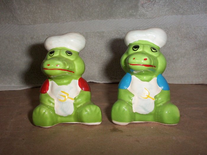 Crocodile Salt and Pepper Shakers