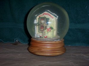 Santas Lighted Snow Globe