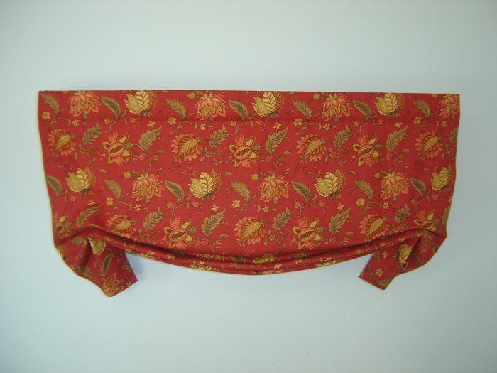 "CUSTOM RICHLOOM JACOBEAN LONDON VALANCE 46""W"