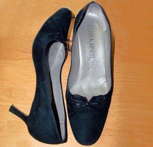 vintage 70s Black velvet heels Peter Kaiser size 9 shoes