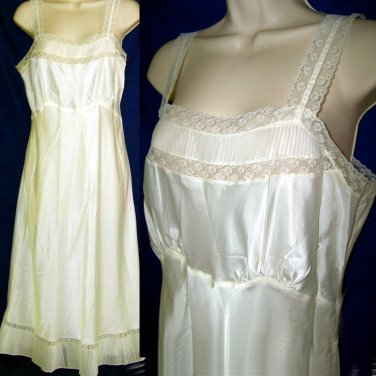 Vtg 40s Barbizon nightgown crystal pleat lace inserts old nylon size 14 miss