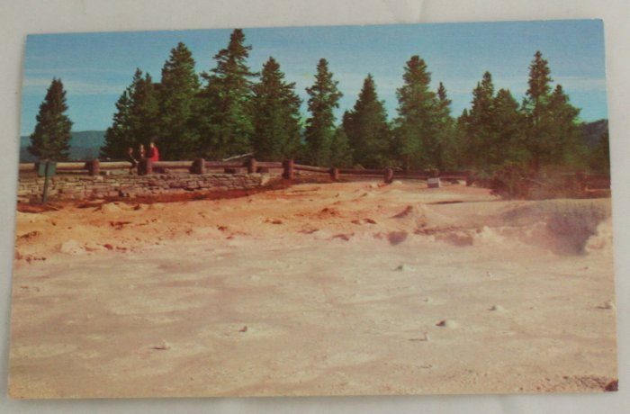 """Fountain Paint Pots"" 50s VINTAGE POSTCARD Yellowstone"