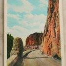 White Border-VINTAGE POSTCARD-Yellowstone-Golden Gate