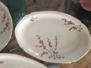 """EXCELLENT CONDITION Set of 2 Royal Bayreuth China Platters - 12"""" and 16"""""""