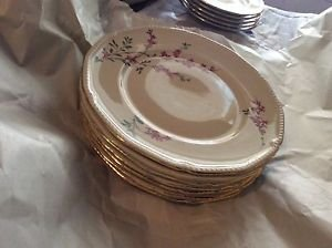 EXCELLENT CONDITION Set of 7 Royal Bayreuth Antique Salad Plates - 8.25""