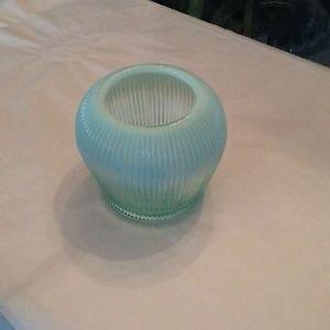 VINTAGE Fenton Blue Opalescent Ribbed Vase
