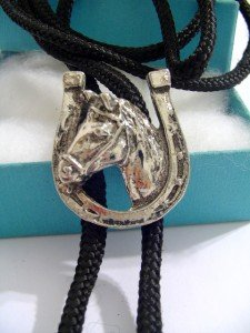 Silver tone HORSE SHOE BOLO TIE WESTERN NECKLACE A1