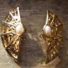 VINTAGE Faux Pearl Cab Fan PIERCED Goldtone EARRINGS Costume Jewelry