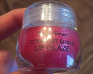 SALLY HANSEN COMFORT SHINE LIP GLAZE Sweet Raspberry New and Untested Discontinued Gloss