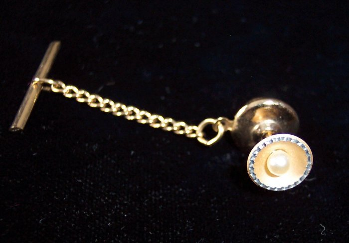 Vintage Goldtone Faux Pearl Scalloped Cut Edge Tie Tac Men's Jewelry