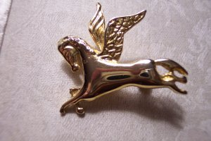 Unique Goldtone Pegasus Horse BROOCH Pin Costume Jewelry Vintage 3pin
