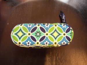 Vera Bradley Daisy Daisy Retired Zippered Sunglass Eye Glass Case Green Floral Print location6