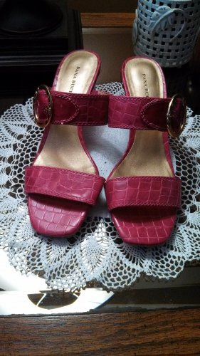 Pink Dana Buchman Reptile Embossed SANDALS Shoes Size 9 1/2 M locationw14