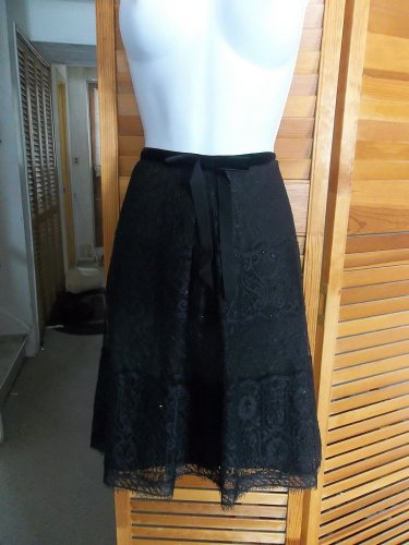 NWOT ANN TAYLOR GORGEOUS BLACK LACE SKIRT 6